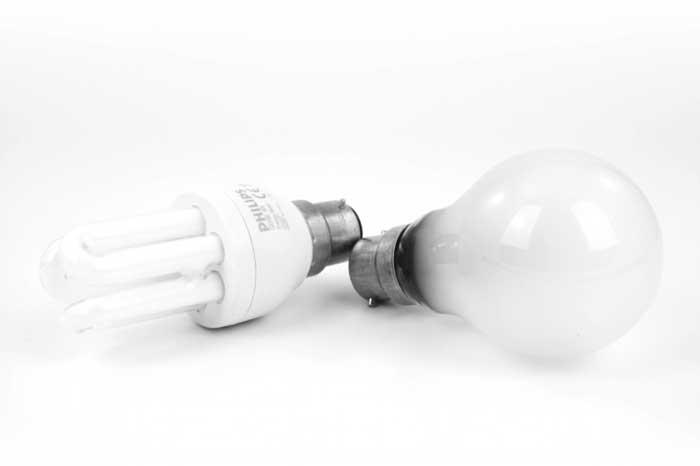 LED-vs.-Incandescent-Bulbs